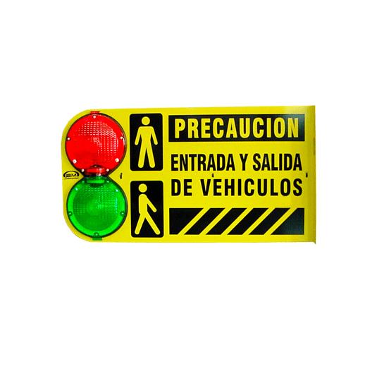 Semáforo para entrada y salida de vehículos